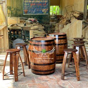 bàn ghế thùng rượu bằng gỗ