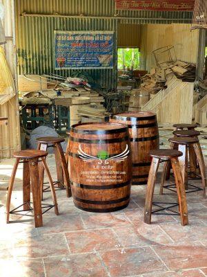 bàn trang trí thùng rượu bằng gỗ
