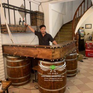 bàn quầy bar bằng gỗ