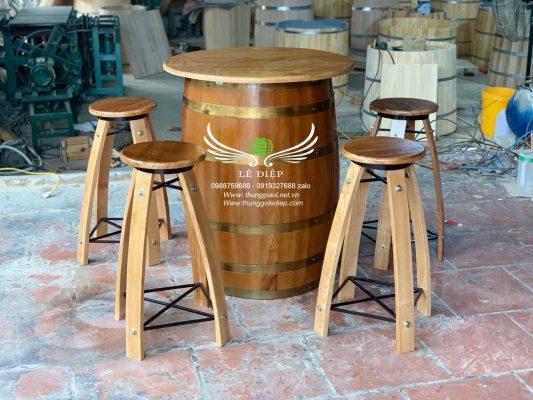 bàn thùng rượu bằng gỗ