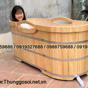 bồn tắm gỗ bo viền tay cầm