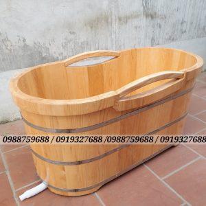 bồn tắm gỗ sồi có tay cầm bằng gỗ
