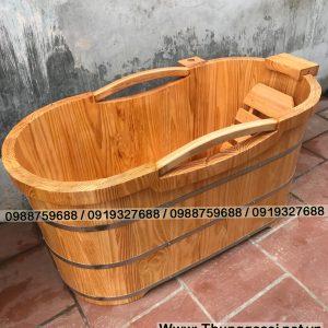 bồn tắm gỗ thông bo viền tay cầm