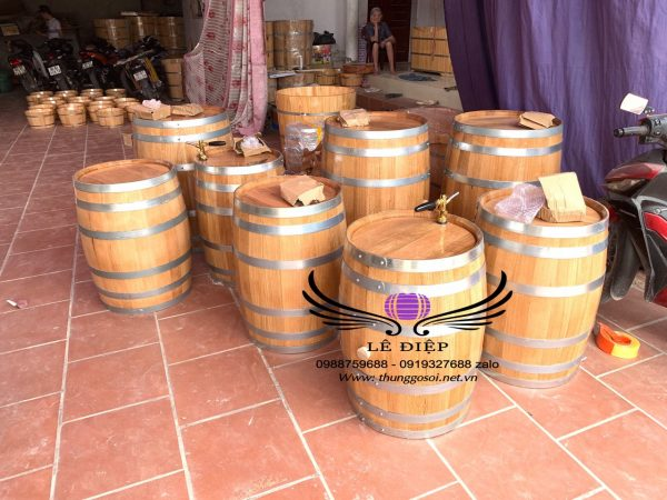 thùng đựng rượu bằng gỗ sồi