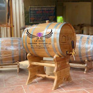 thùng rượu gỗ sồi chân giá cao