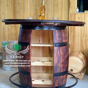thùng gỗ trang trí quán bar